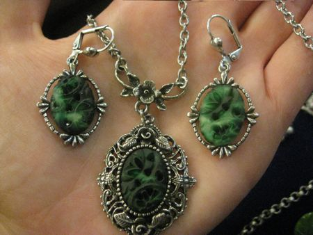 jade classic hardware set