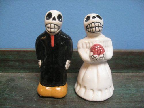 Dia de los Muertos salt and pepper shaker