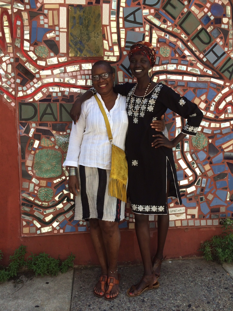 Nykhor Paul and Donna Dove visit Eye's Gallery