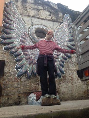 Isaiah Zagar with Trish Metzner's mosaic in Zacatlan de las Manzanas