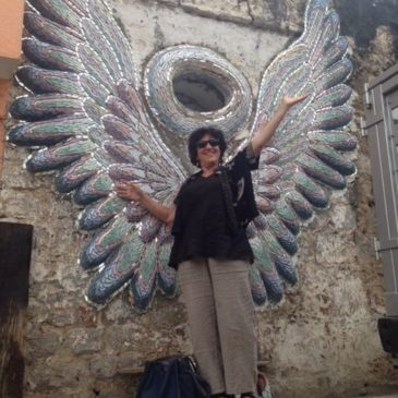 Julia Zagar with Trish Metzner mosaic in Zacatlan de las Manzanas