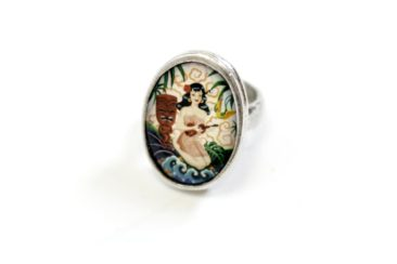 Hawaiian pin up ring by CLASSIC HARDWARE, $24. Photo by Jessica Laudicina.